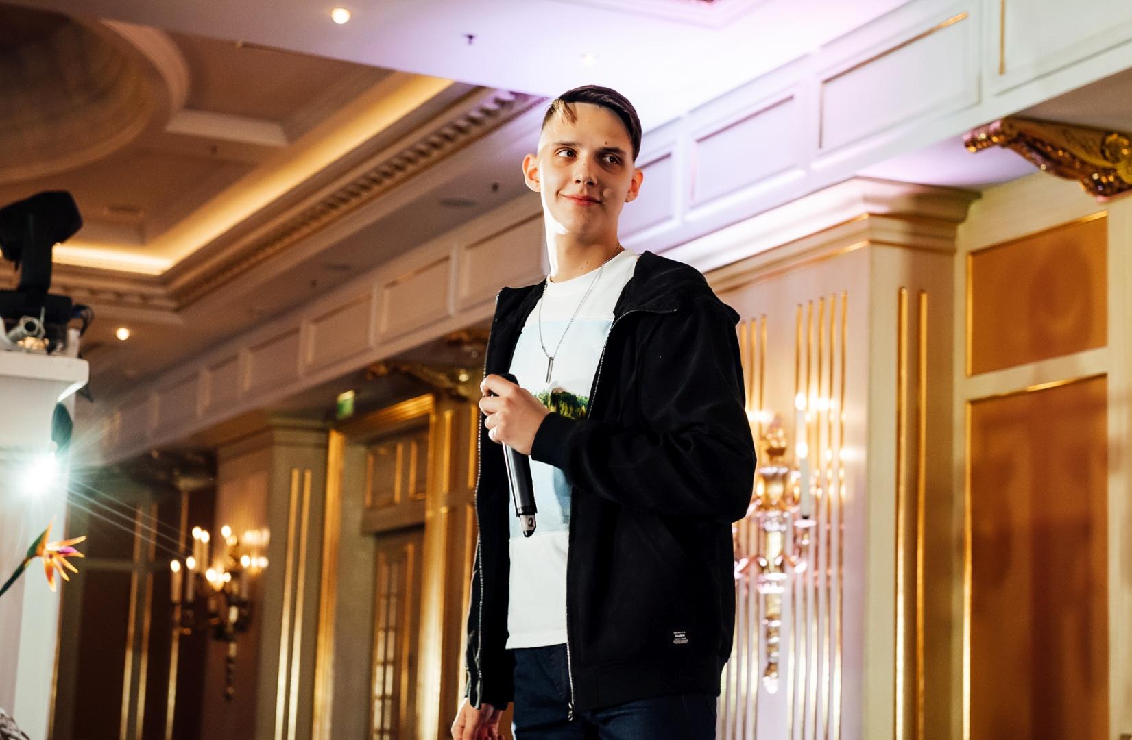 Где живёт Тима Белорусских: загадочный молодой певец