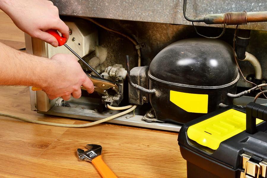 Почему холодильник долго не может запуститься: возможные причины, полезные советы и рекомендации по устранению