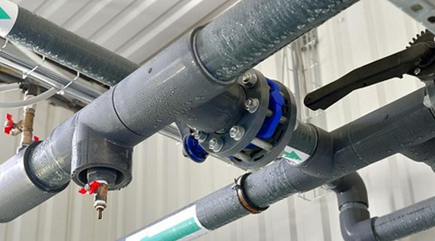 Можно ли избавиться от конденсата в вентиляционной трубе частного дома и как это сделать?
