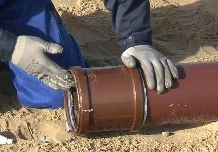 Чугунные канализационные трубы: особенности монтажа и ремонта