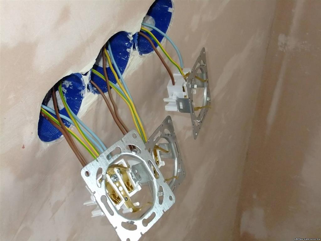 Двойная розетка – особенности конструкции. правила и схемы подключения розетки с заземлением и без него
