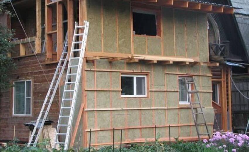 Можно ли утеплять деревянный дом пенопластом своими руками