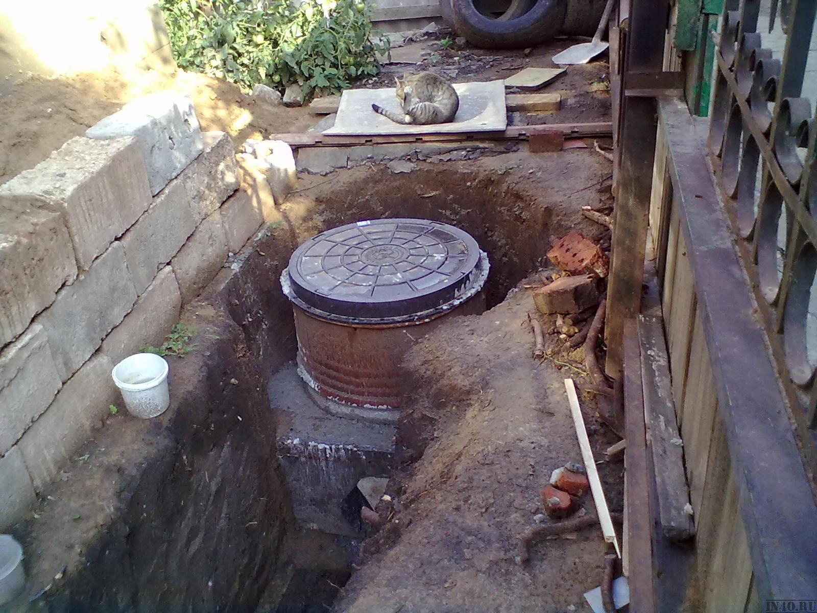 Как выкопать сливную яму: копка сливных ям, глубина, как правильно копать сливную яму, фото и видео примеры