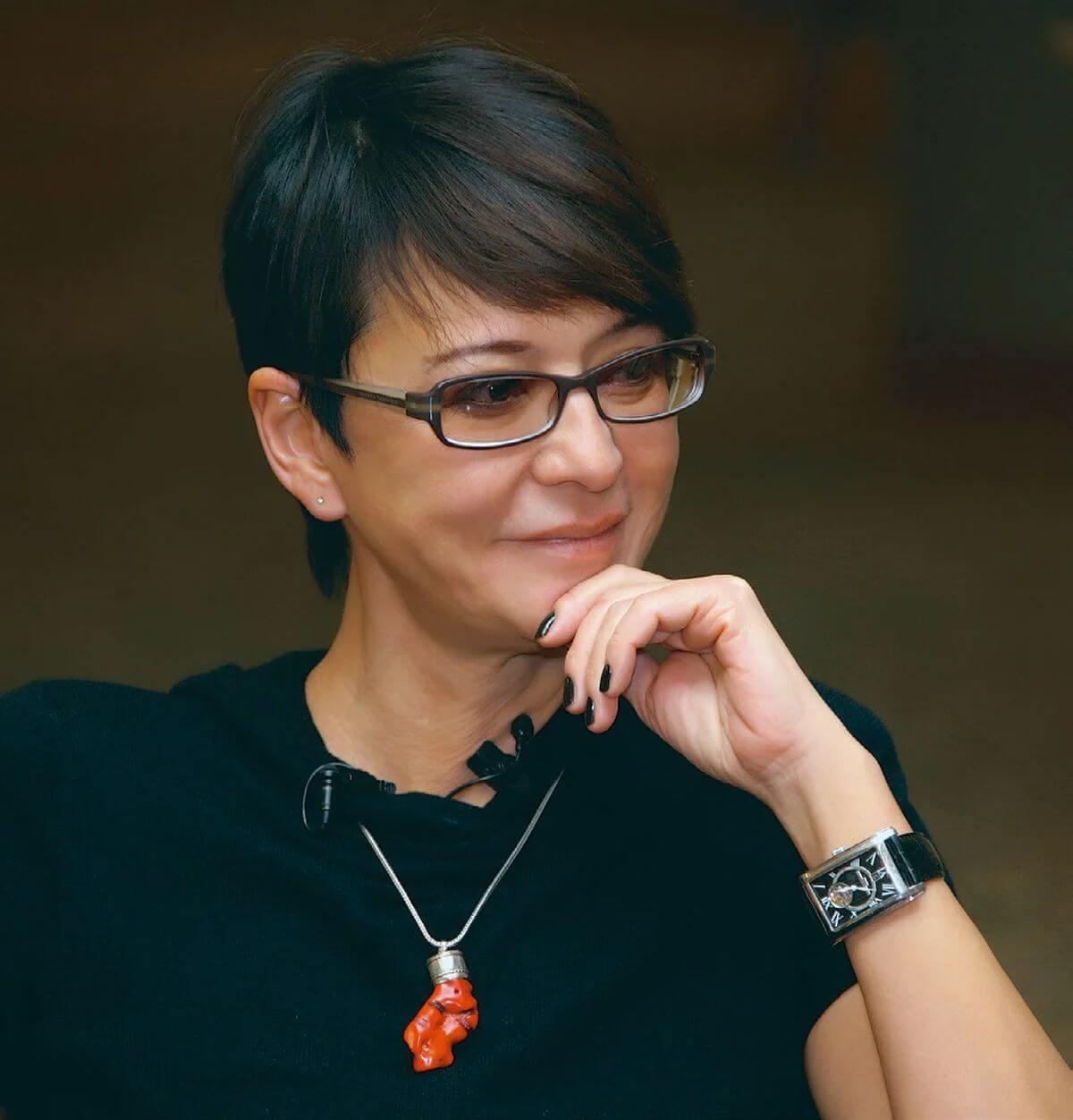 Ирина хакамада - биография, информация, личная жизнь, фото, видео