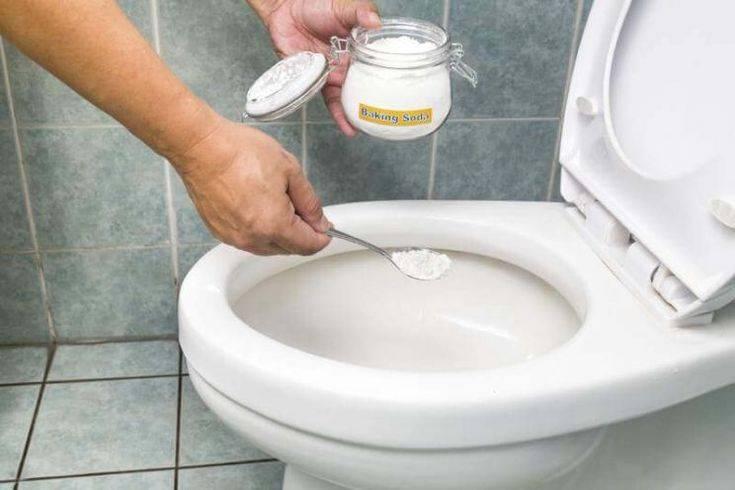Чистка унитаза содой, уксусом и лимонной кислотой