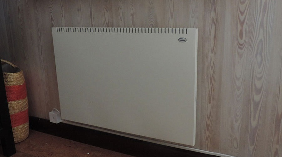Отопление частного дома конвекторами – выгодно ли