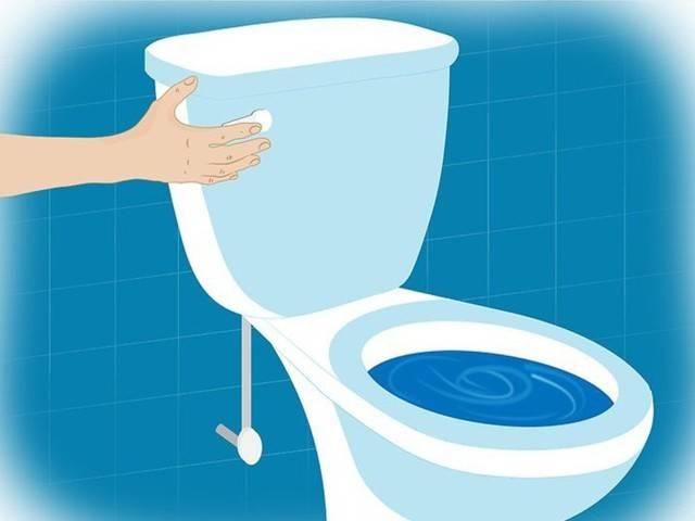 Как самостоятельно в домашних условиях прочистить унитаз при засоре