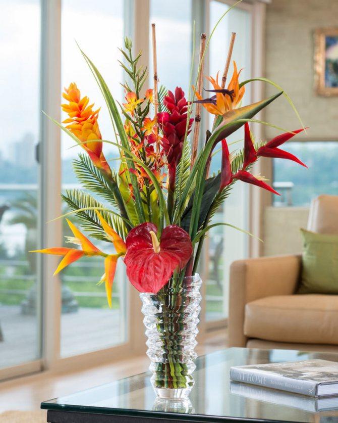 Искусственные цветы дома: плохая примета или беспочвенное суеверие