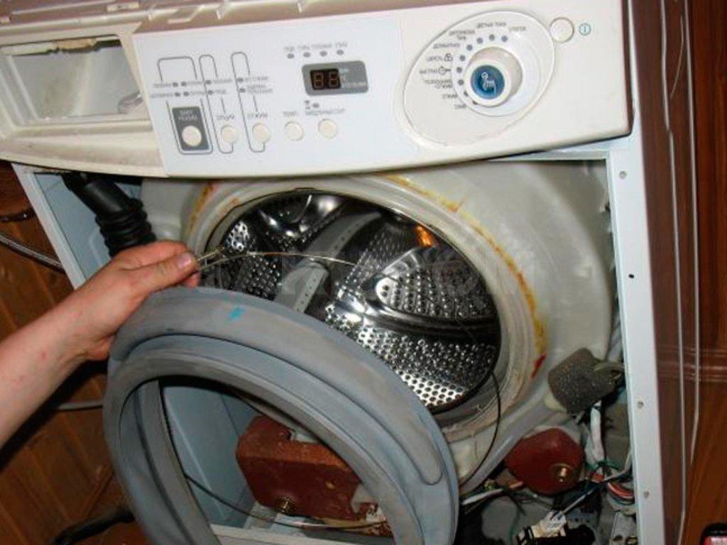 Замена и ремонт двигателя стиральной машины: что делать, если электродвигатель искрит или не работает? взаимозаменяемость моторов. причины поломок. как поменять провода?