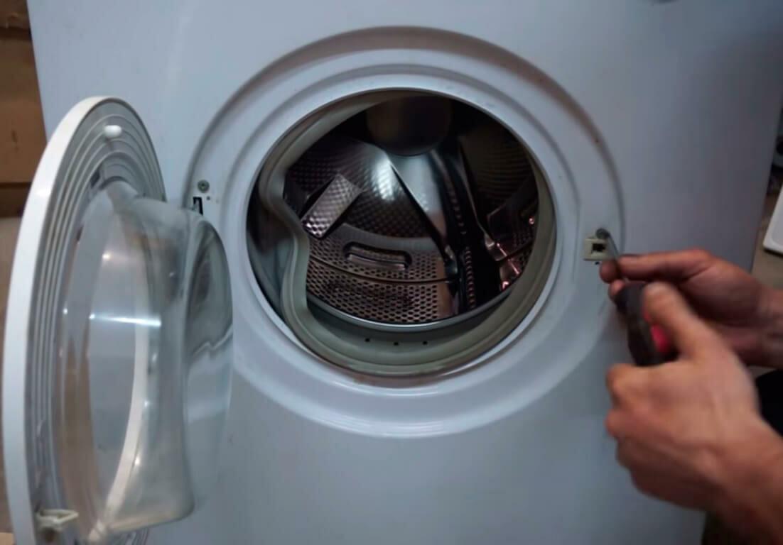 Как открыть и остановить стиральную машину во время стирки