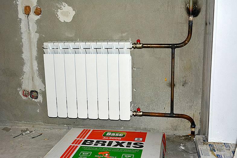 Установка батарей отопления, монтаж своими руками с фото и видео