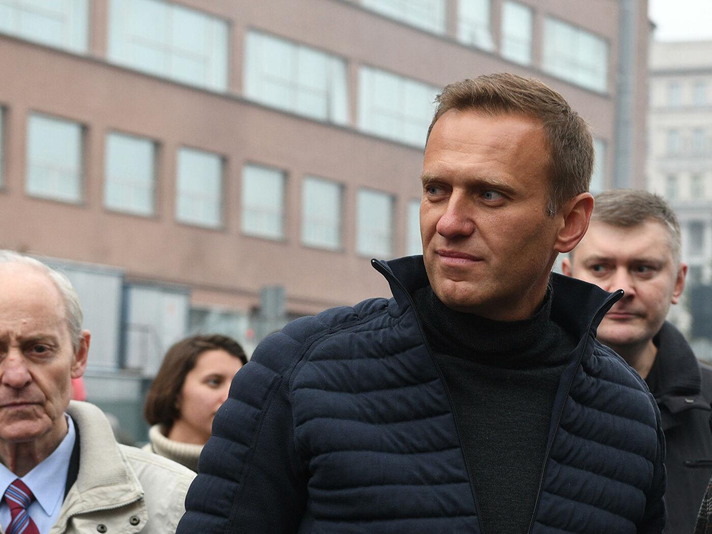 Где живет алексей навальный со своей супругой, дочерью и сыном