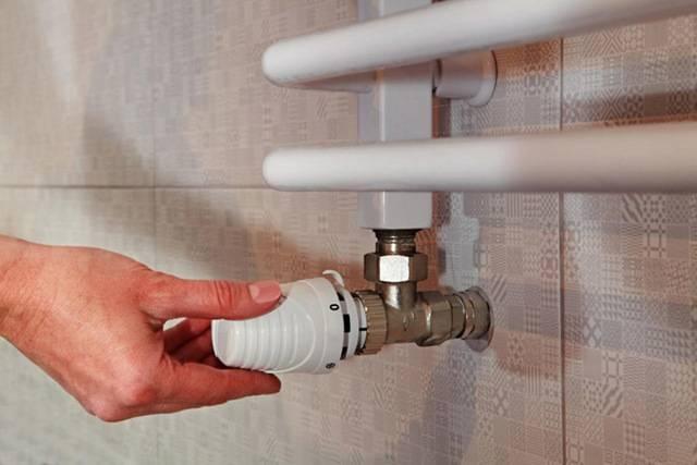 Установка полотенцесушителя в ванной своими руками – инструкция + видео