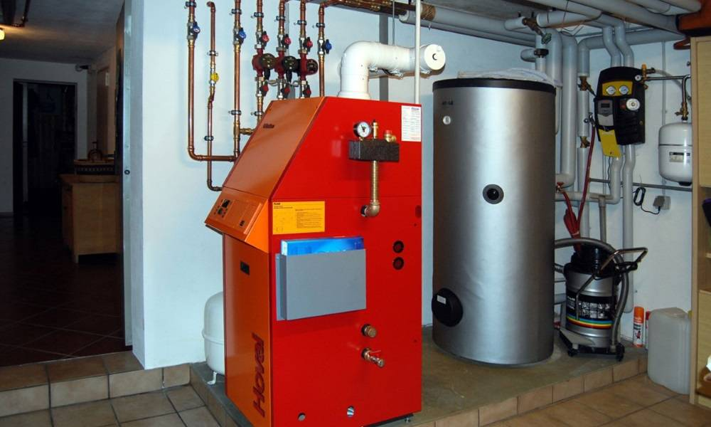 Делаем отопление частного дома соляркой своими руками: обзор котлов, расчет расхода и составление схемы установки