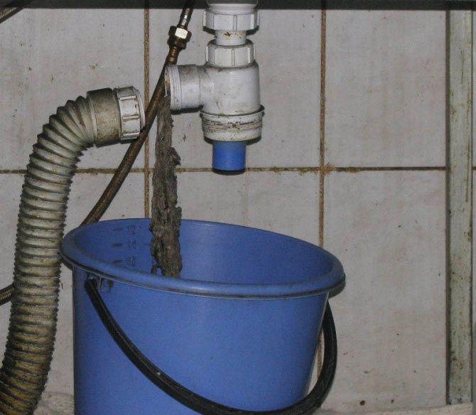 Как устранить засор в раковине: как и чем пробить засорившийся участок в трубопроводе
