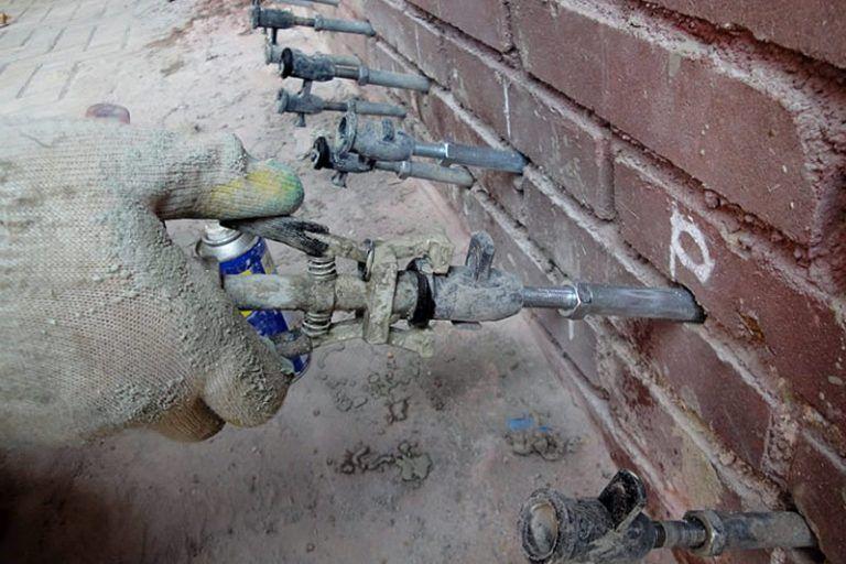 Трещины в бетоне: причины появления, способы заделки