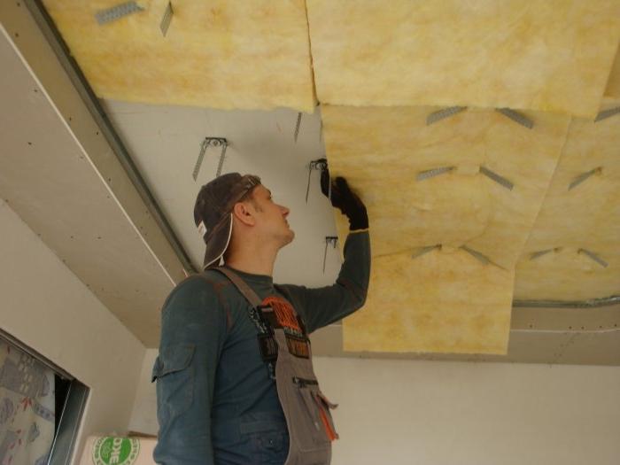 Рекомендации по монтажу и выбору материалов для звукоизоляции под натяжной потолок: 30 фото