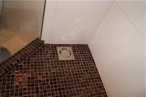 Как сделать трап в ванной для душа своими руками?