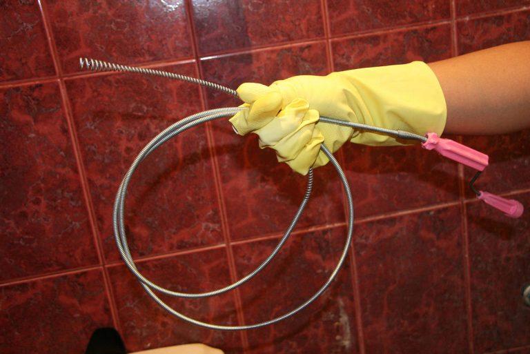 Как выбрать трос для прочистки канализационных труб – виды, правила использования