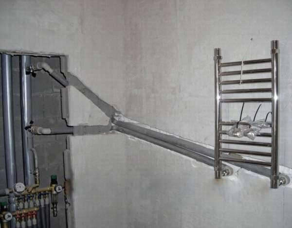 Перенос полотенцесушителя на другую стену - пример проведения работ