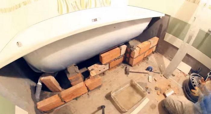 Установка чугунной ванны: профессиональный монтаж своими руками