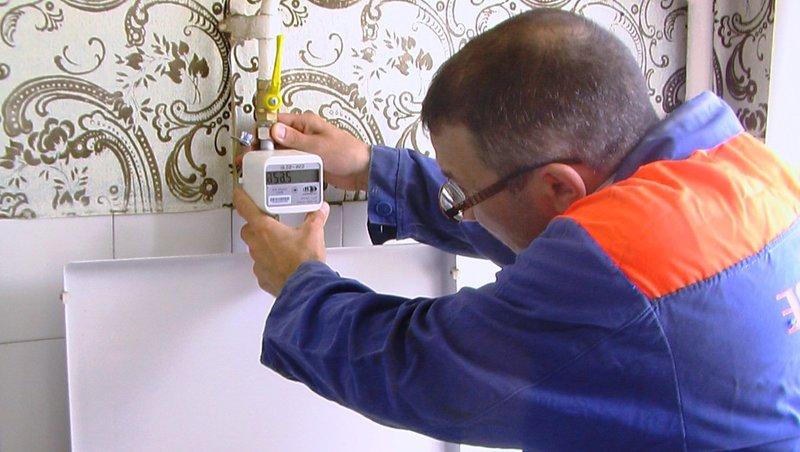 Кто оплачивает установку счётчиков на воду, газ, электроэнергию, и когда хозяин дома или квартиры не обязан платить
