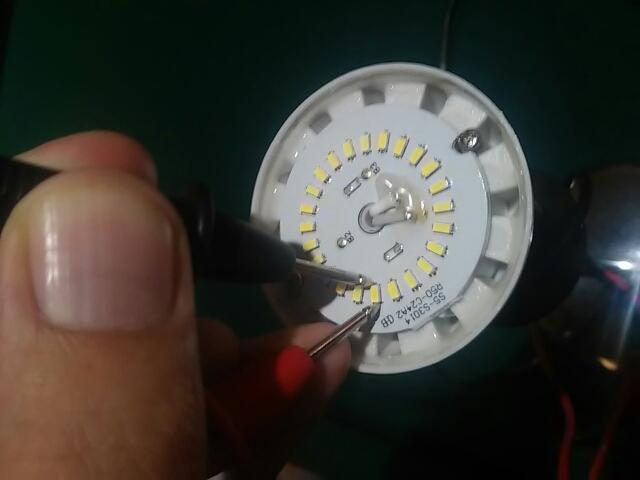 Моргает светодиодная лампа: после включения и в выключенном состоянии