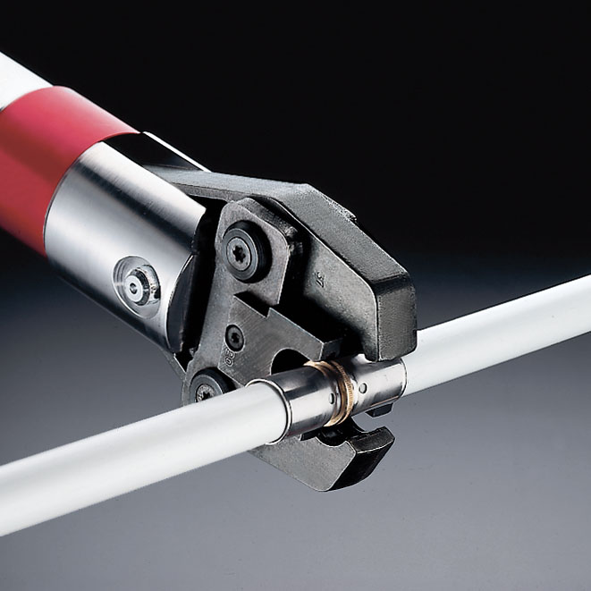 Опрессовка металлопластиковых труб: порядок и нюансы выполнения работ