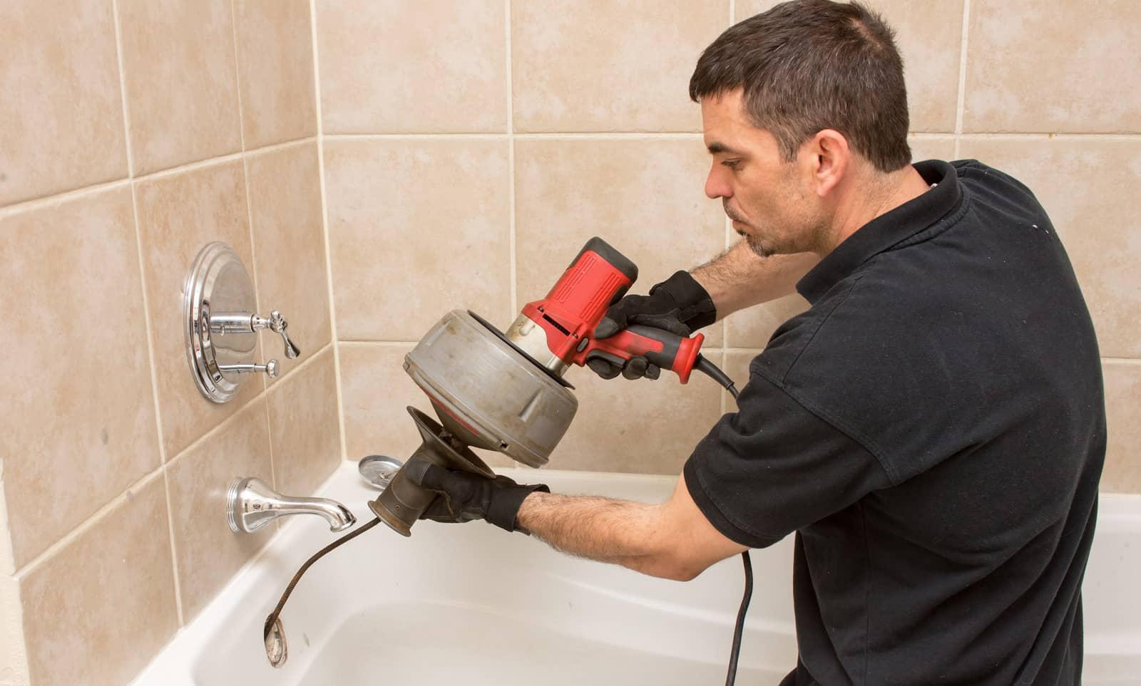Как провести прочистку канализационных труб в домашних условиях