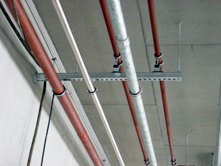 Правила и особенности прокладки электрических кабелей в трубах