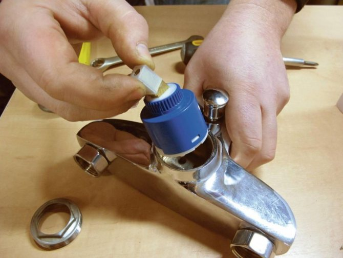Ремонт смесителя в ванной своими руками