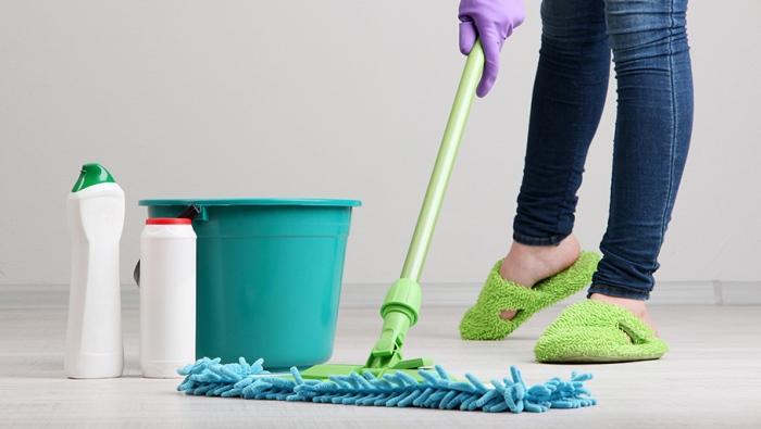Почему в гостях нельзя мыть посуду: приметы