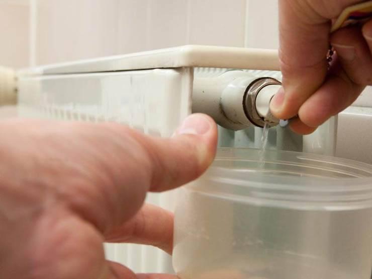 Как убрать воздушную пробку в системе отопления: подробная инструкция