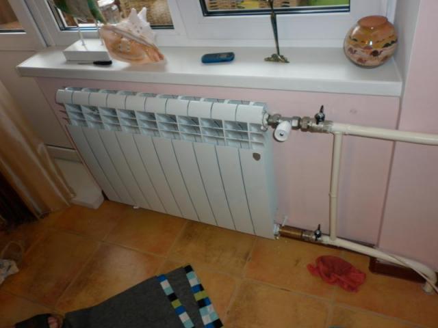 Терморегулятор на батарею отопления: виды, преимущества, монтаж