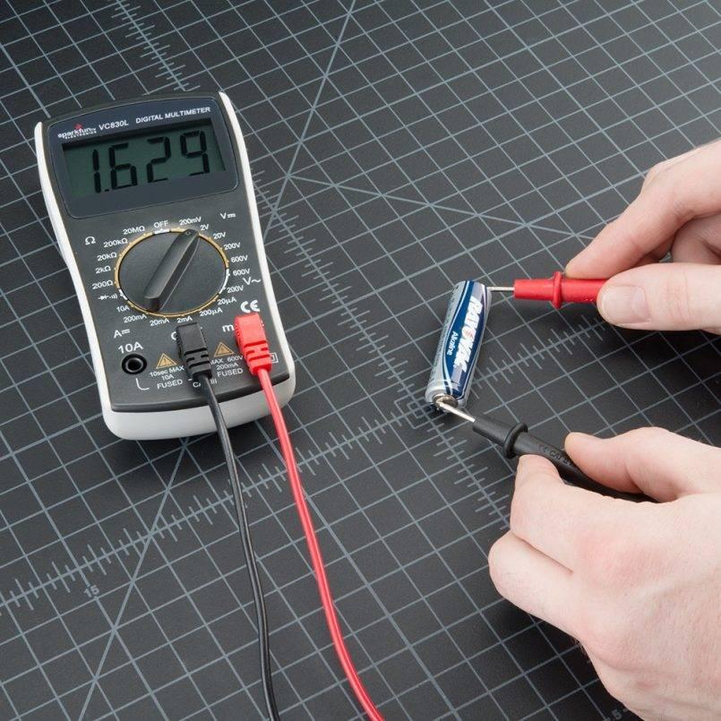 Как проверить напряжение в сети мультиметром
