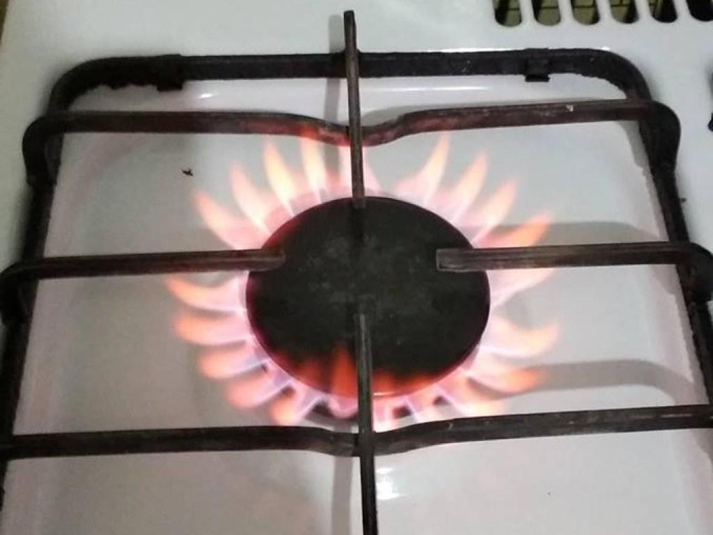 От чего зависит цвет пламени?