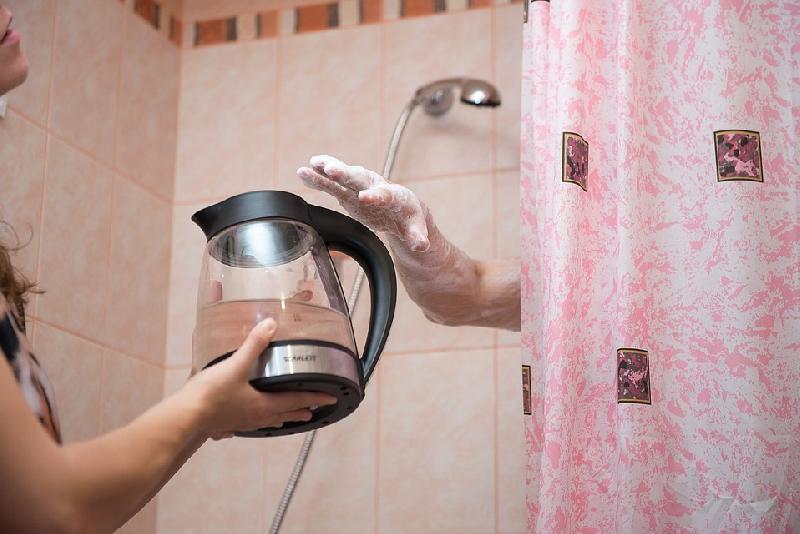 Для тех, кто ненавидит тазики -  где помыться, когда дома отключили горячую воду