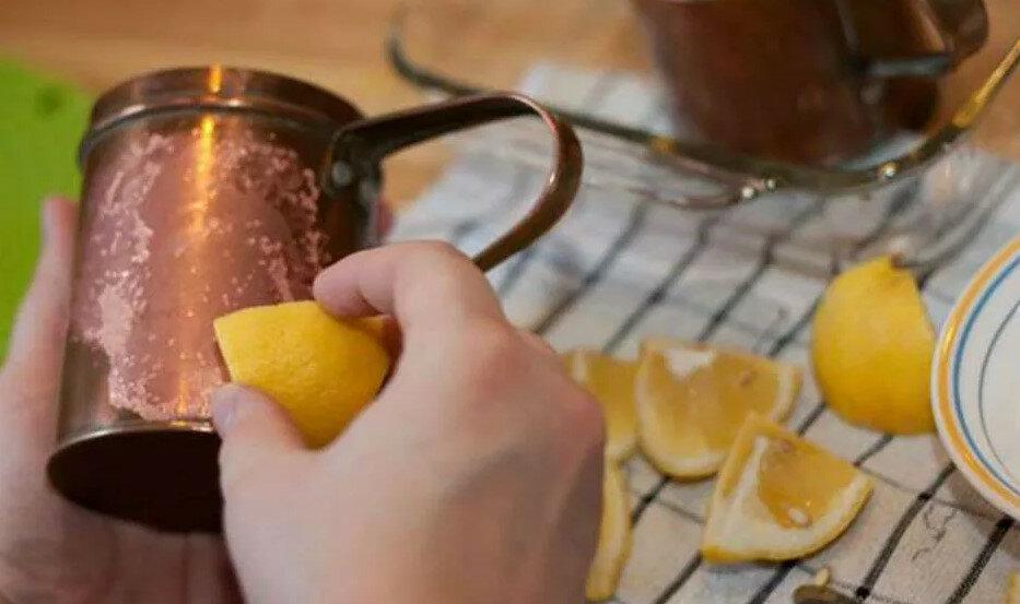 Делаем средство для мытья окон без разводов своими руками: рецепт проверен годами | comp-plus.ru