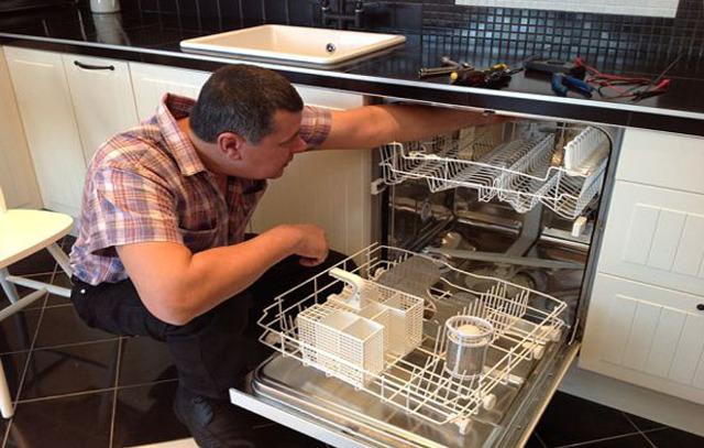 Что делать, если в посудомоечной машине стоит вода и не уходит: как ее слить в машинке bosh