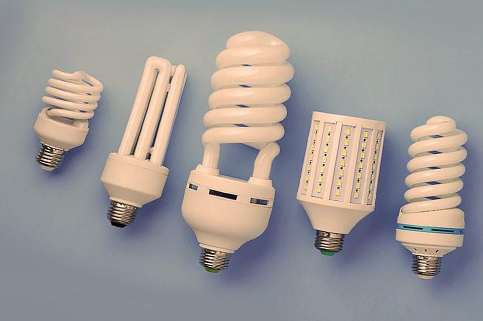 Какие выбрать лампы дневного света для дома: люминесцентные или светодиодные