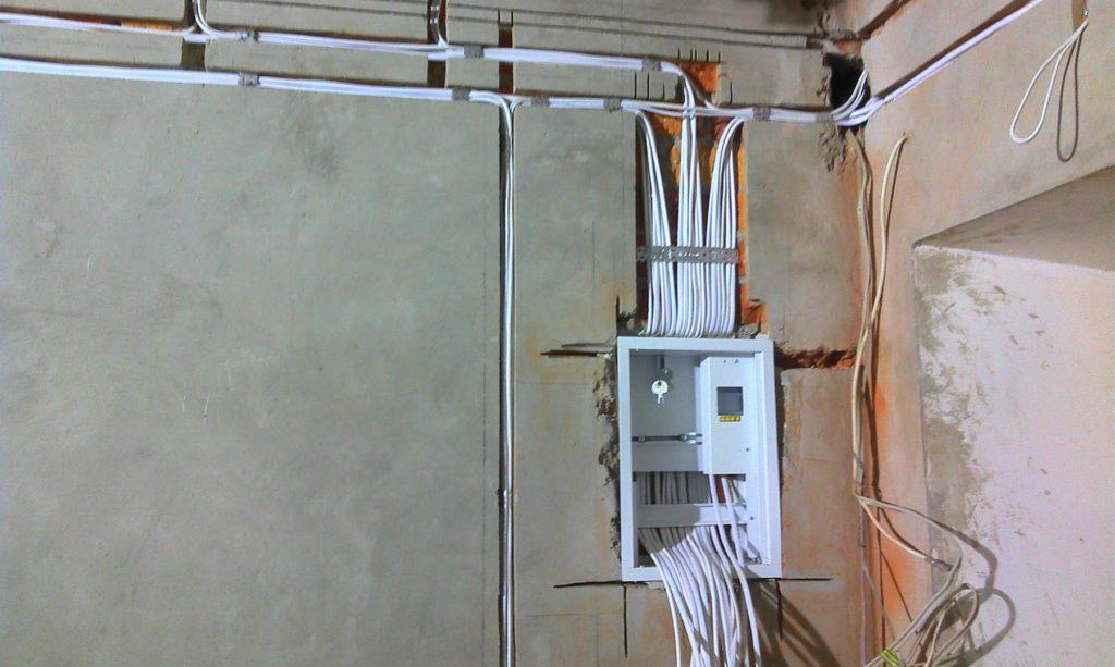 Монтаж электропроводки – 100 фото подготовки и установки системы энергоснабжения – строительный портал – strojka-gid.ru