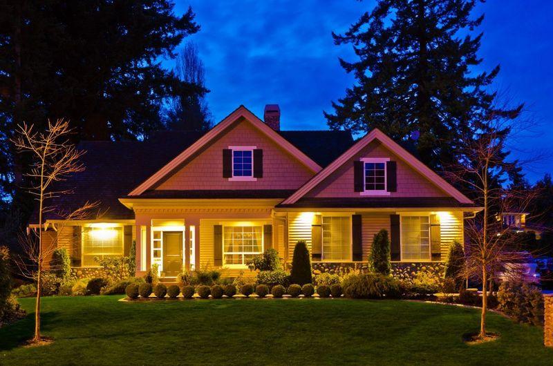 Школа светодизайна: организуем освещение загородного дома