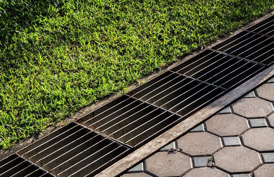 О поверхностном дренаже на городских улицах: виды, назначение и правила обустройства | советы по строительству и ремонту