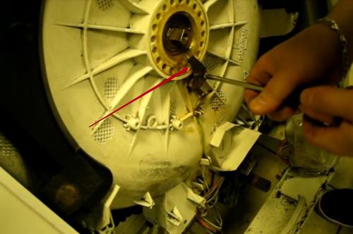 Как заменить подшипник на стиральной машине indesit