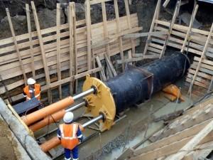 Бестраншейная прокладка труб: продавливание трубопроводов под дорогой, метод прокола, как проложить без вскрытия грунта трубы большого диаметра