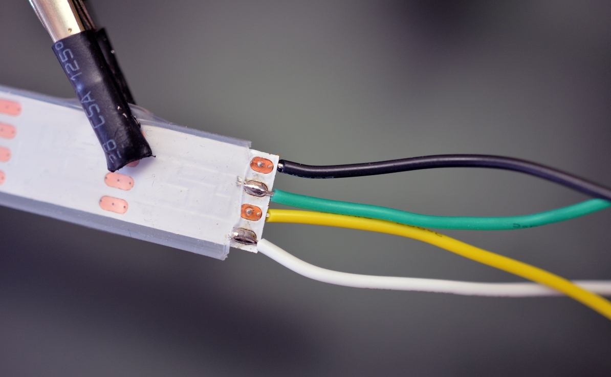 Как соединить между собой светодиодную ленту?