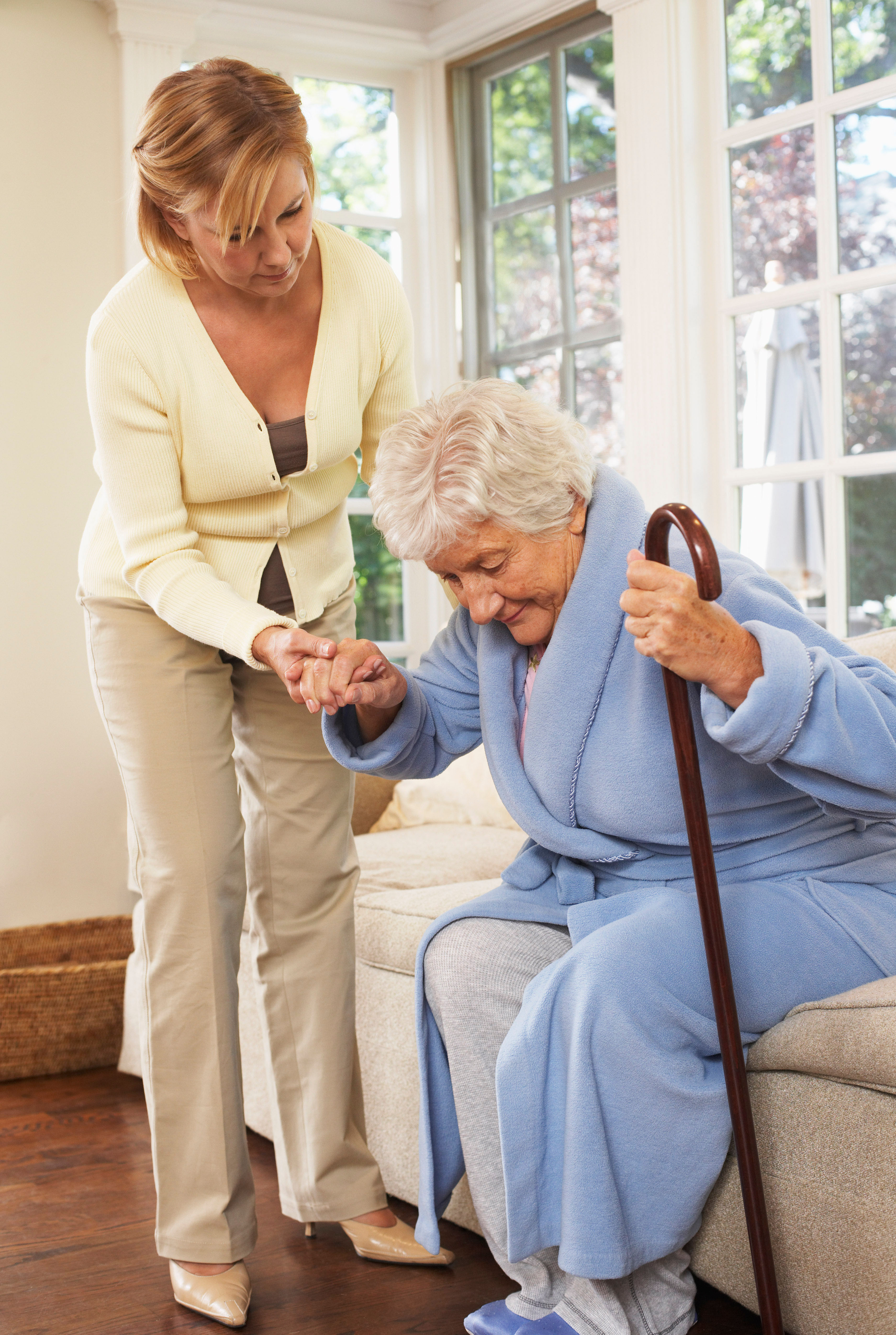 «тюрьма для пожилых»: можно ли отправлять родных в дома престарелых — wonderzine