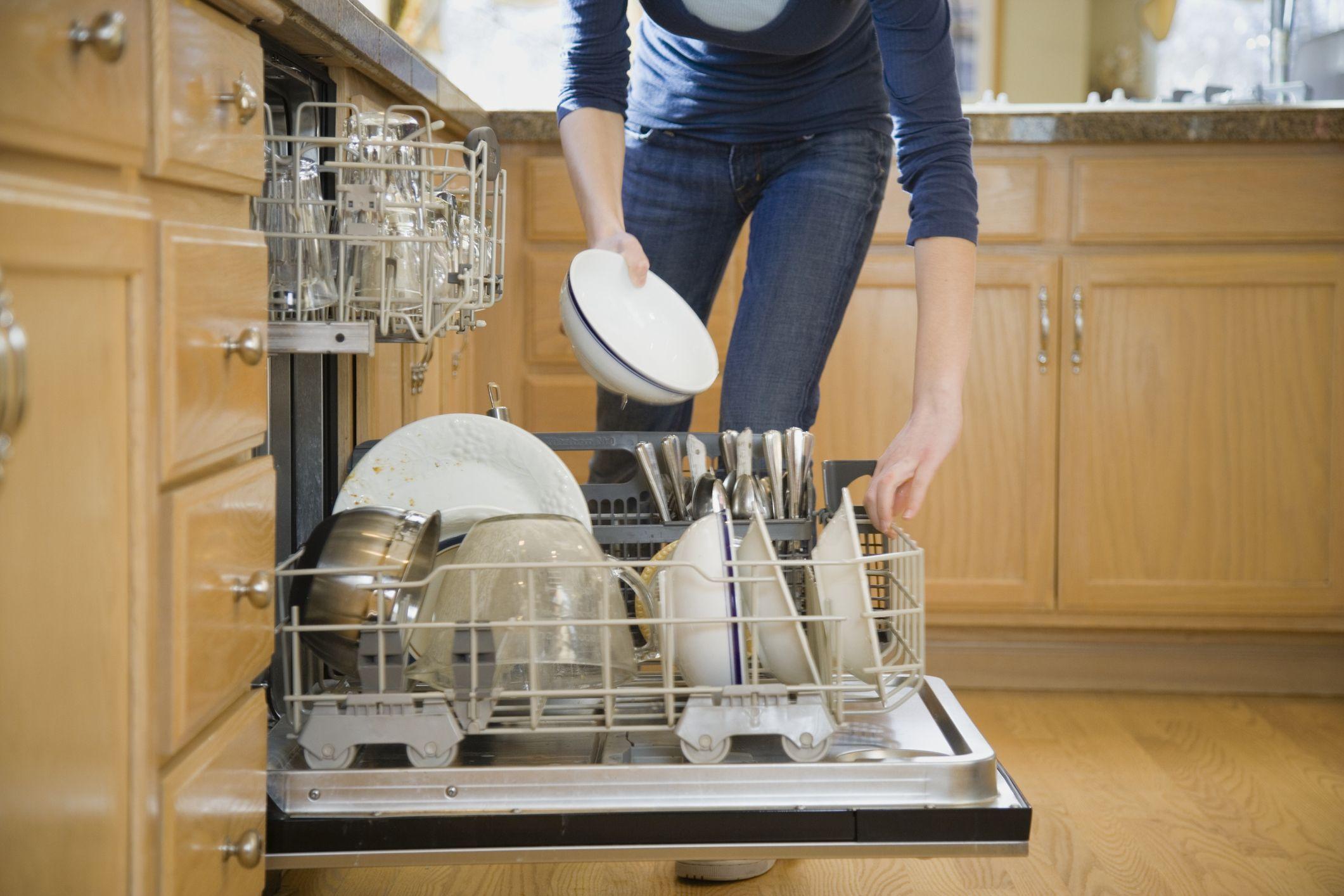 Как пользоваться посудомоечной машиной правильно — первый запуск и последующая эксплуатация