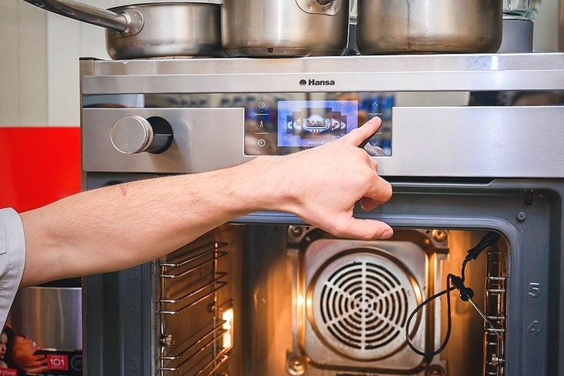 Что такое конвекция в духовке электрической плиты и для чего это необходимо?