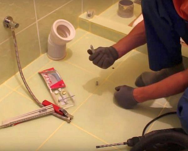 Установка унитаза на тёплый пол: методы установки унитаза